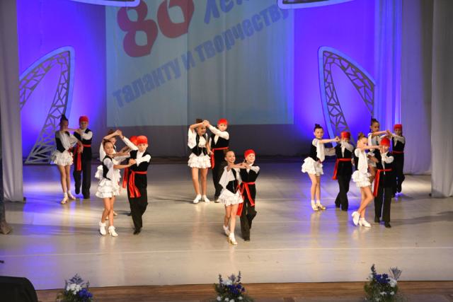 «Тарина» образцовый ансамбль бального танца