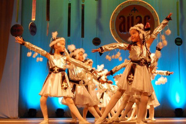 Хакасская образцовая хореографическая студия «Айас» (Светлый)