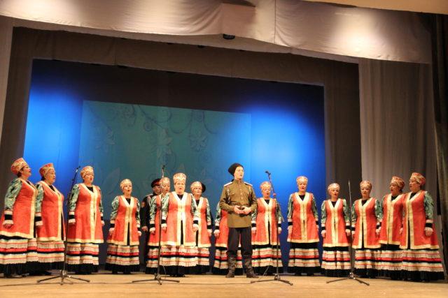 Русский народный хор под руководством Ивана Вислогузова, с. Солнечное Усть-Абаканского района