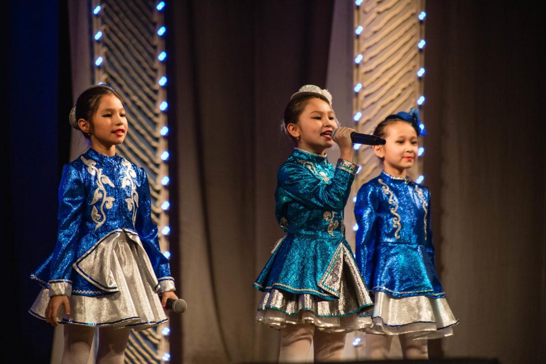 Выступление участников конкурса-фестиваля Час Ханат 2018-го года
